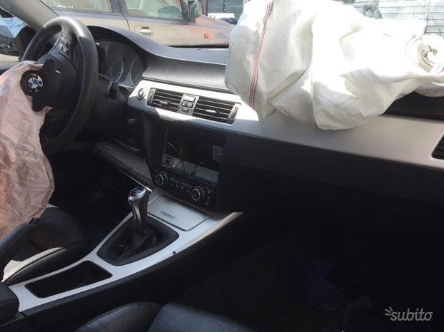 RICAMBI BMW 320 E90 completo